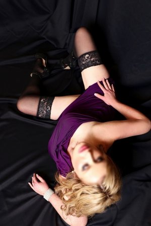 Marie-severine thai massage and live escorts