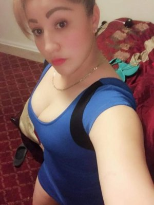 Shanisse escort girl in Monterey Park