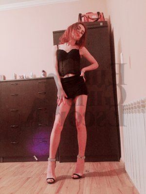 Imaculada escort girl in Beachwood