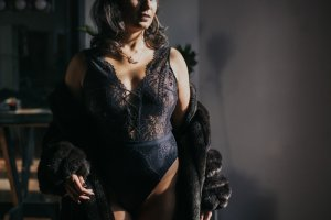 Laela escort and tantra massage