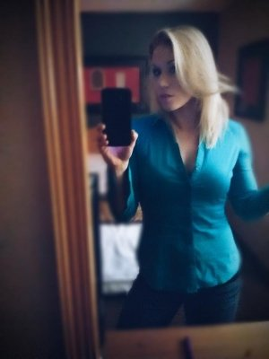 Oanel escort girl in Collinsville IL